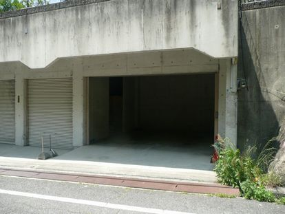 「甲栄台駐車場」神戸市北区甲栄台5丁目の賃貸駐車場の外観写真です